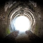 トンネル小